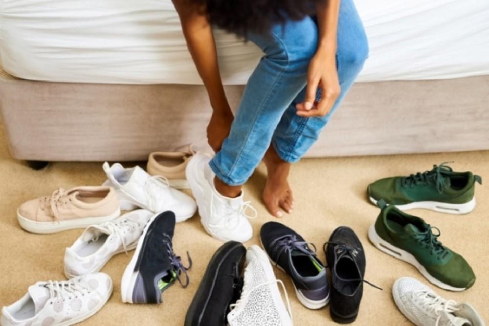 Cara Memeilih Sepatu Yang Murah Dan Awet