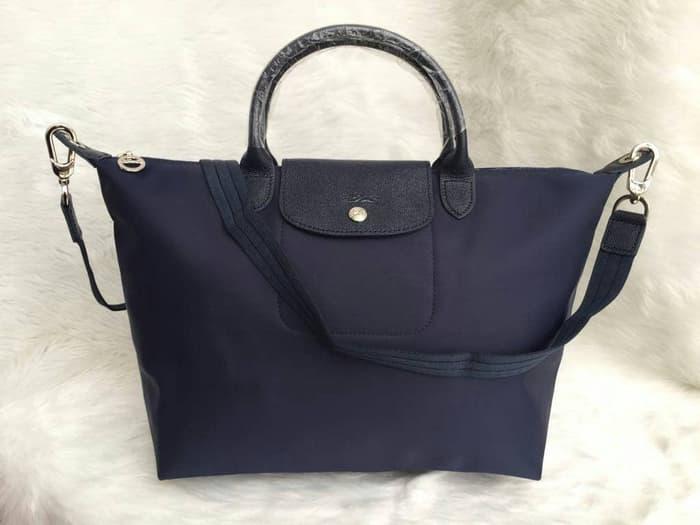 2 Cara Membersihkan Tas Longchamp
