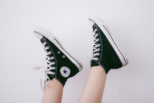 Cara Mencuci Sepatu Converse Berbahan Canvas
